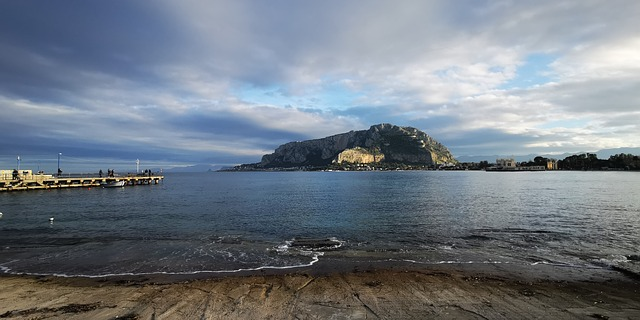 Pláž v meste Palermo